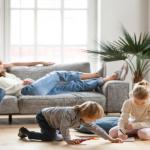Vijf tips om te voorkomen dat je hoogbegaafde kinderen je de hele dag claimen in de vakantie